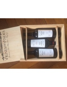 Box of 3 bottles in wooden...