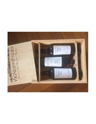 Box of 3 bottles in wooden case